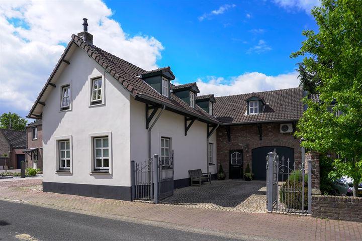 Oude Raadhuisstraat 4