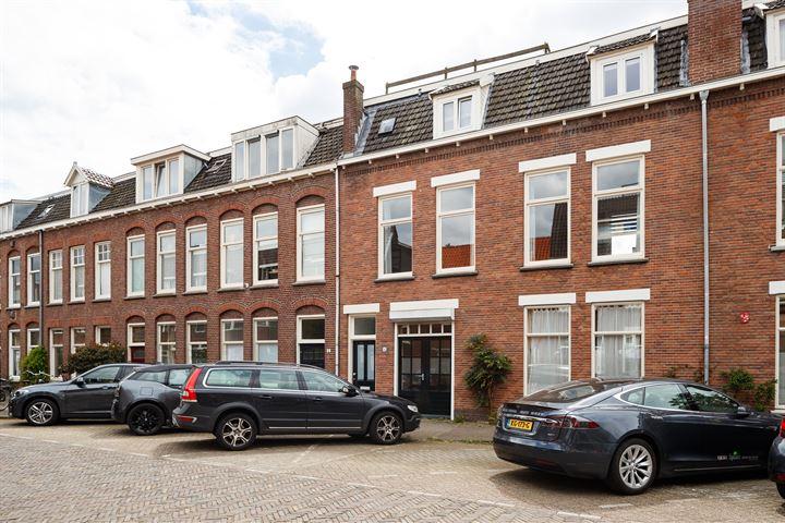 Van 's-Gravesandestraat 14