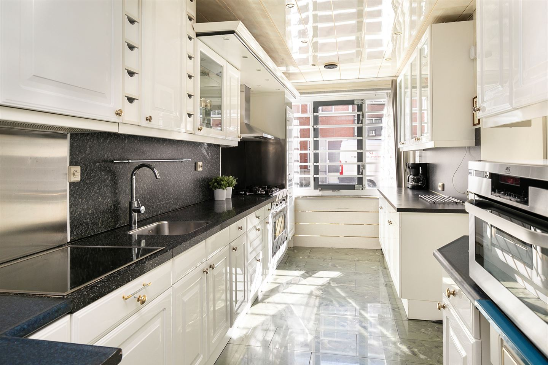 Bekijk foto 3 van Vermeerstraat 136