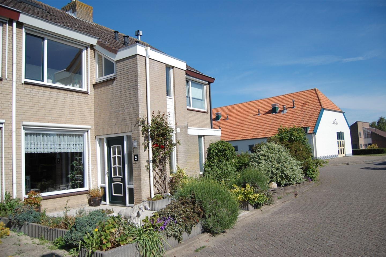 View photo 1 of Wethouder van Klinkenstraat 5