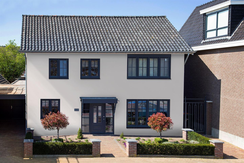 Bekijk foto 2 van Pastoor Ossestraat 15