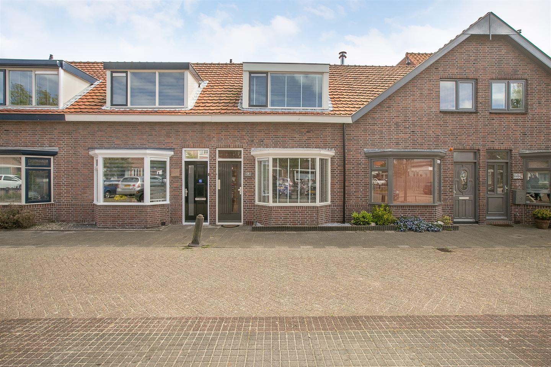 View photo 1 of Braamstraat 13