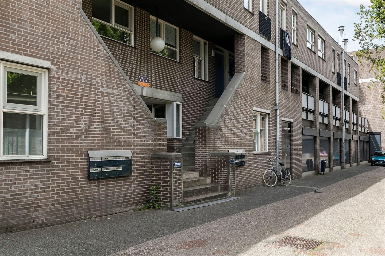 View photo 2 of Hofdwarsstraat 8