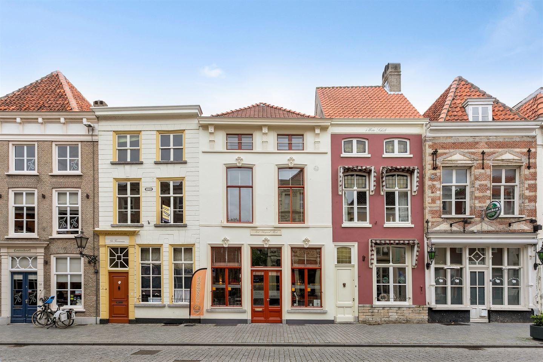 Bekijk foto 2 van Lievevrouwestraat 46
