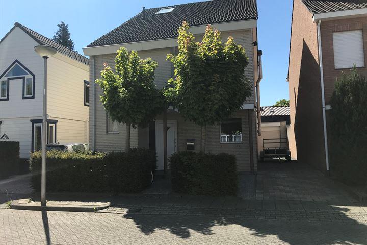 Schoutstraat 67