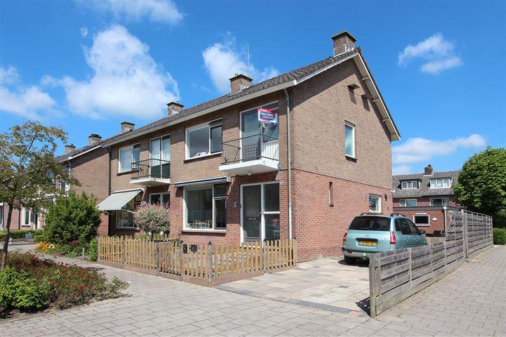 Koningin Beatrixstraat 16