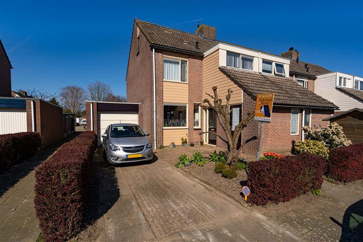 Van Hogendorpstraat 11
