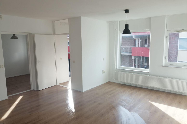 Bekijk foto 2 van Bedumerstraat 25 A