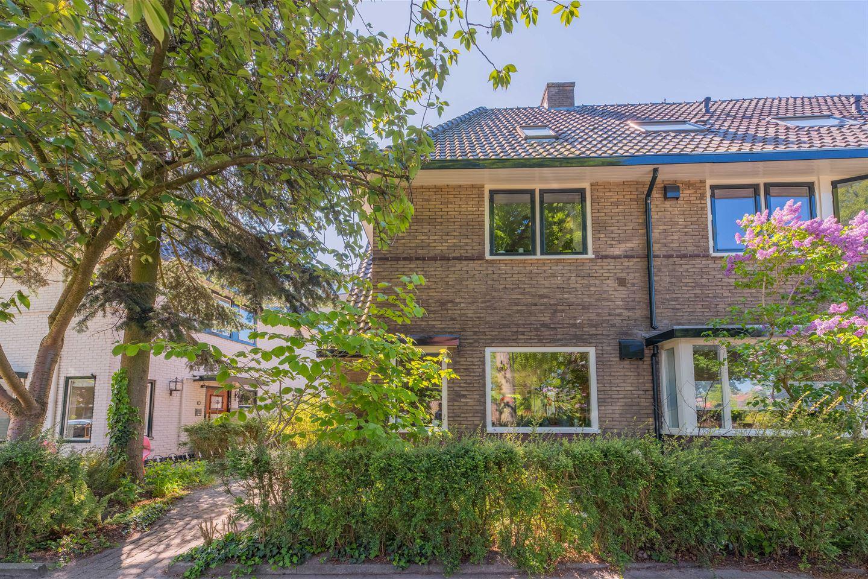 Bekijk foto 3 van Huygensstraat 8