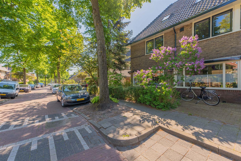 Bekijk foto 2 van Huygensstraat 8
