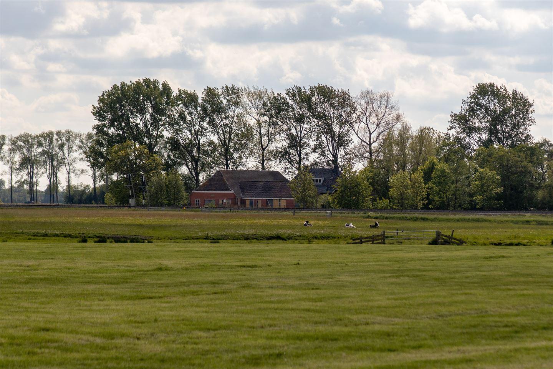 View photo 2 of Winsumerweg 5