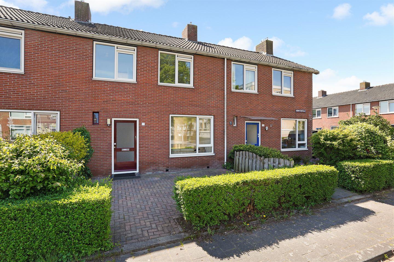 View photo 1 of Barnsteenstraat 30