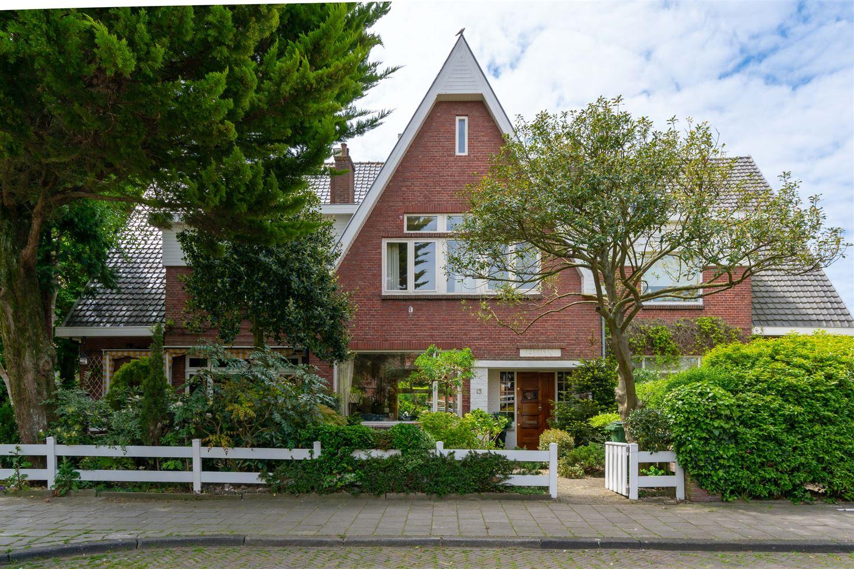Bekijk foto 1 van Van Zuylen van Nijeveltstraat 15