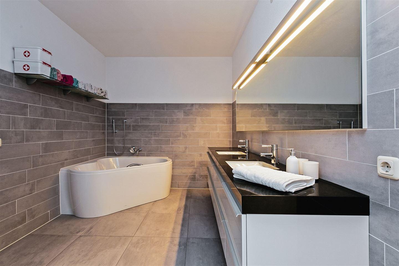 Bekijk foto 5 van Soesterbergsestraat 124