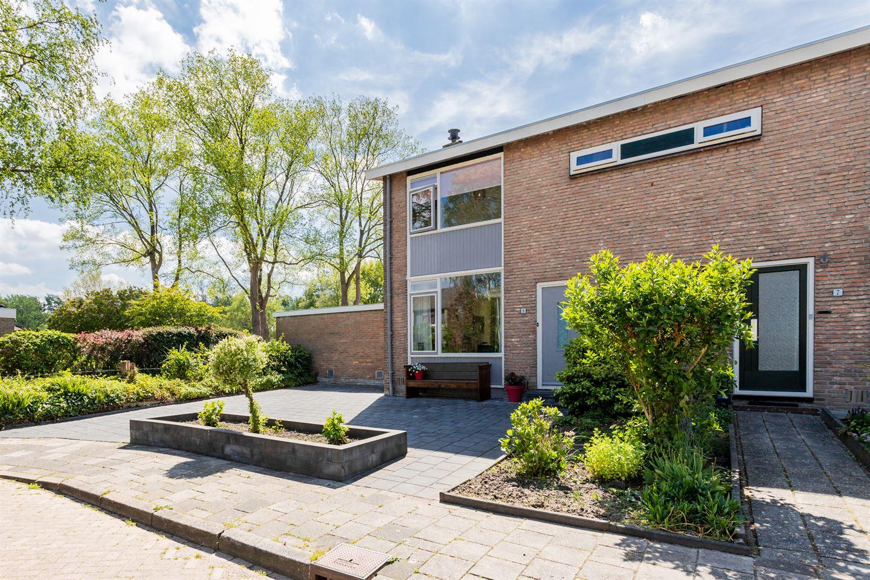 Bekijk foto 2 van De Vries Lamstraat 9