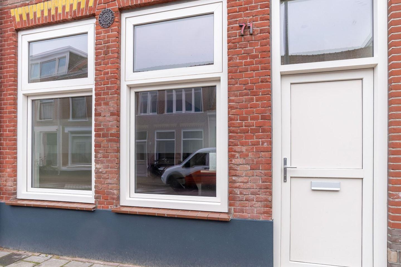 View photo 2 of Oranjestraat 71