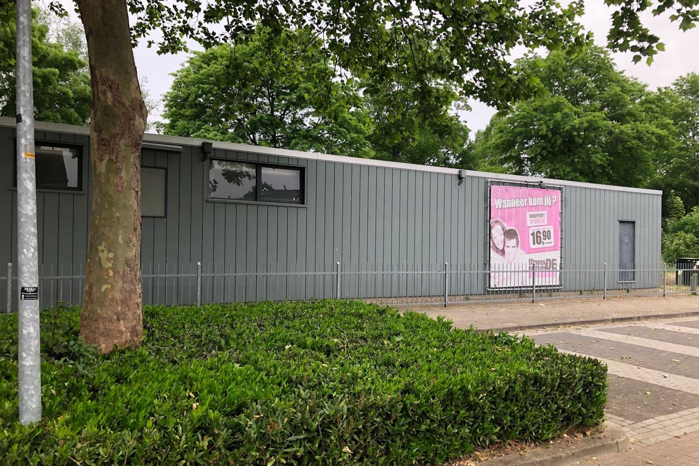 Bekijk foto 2 van Johannes Vermeerstraat 75