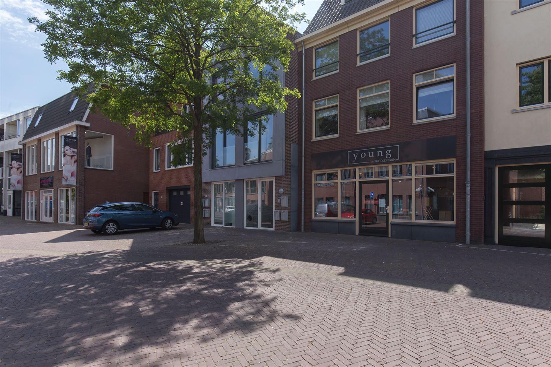 Bekijk foto 2 van Raadhuisplein 24