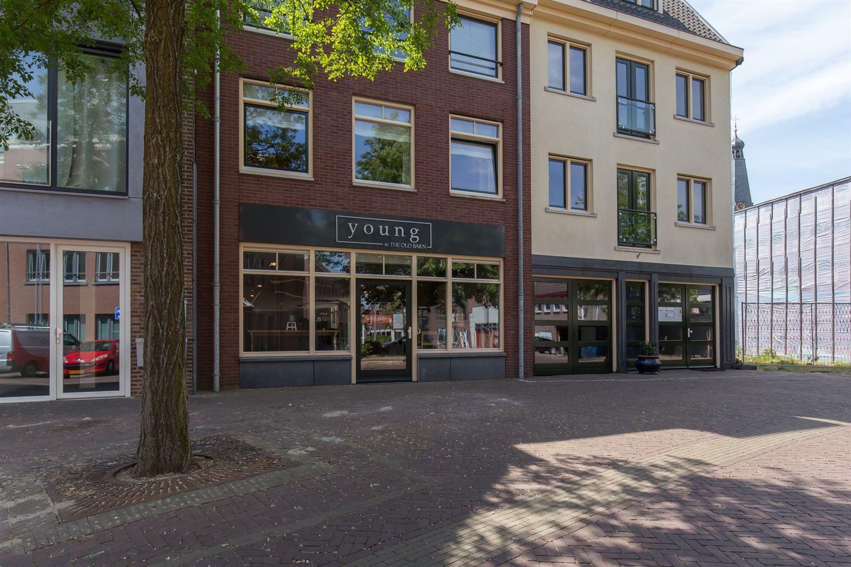 Bekijk foto 1 van Raadhuisplein 24