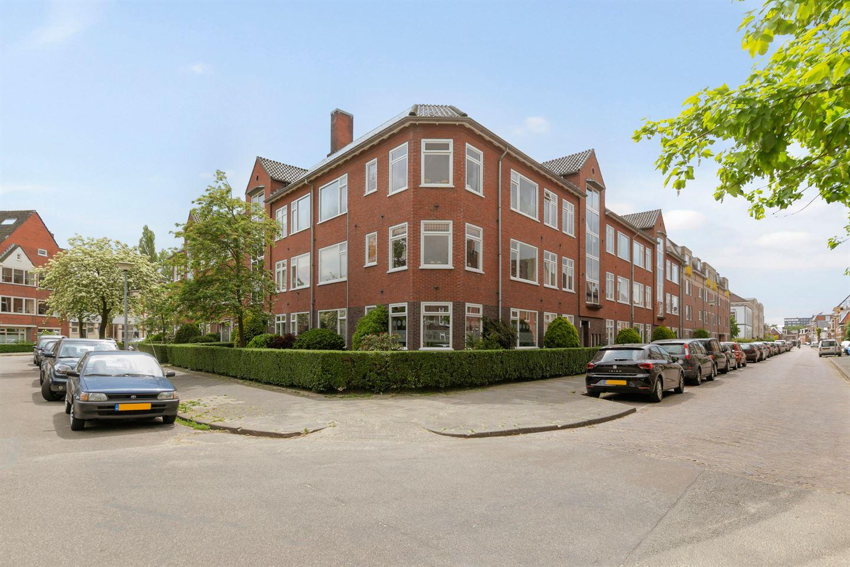 View photo 1 of Helper Kerkstraat 141