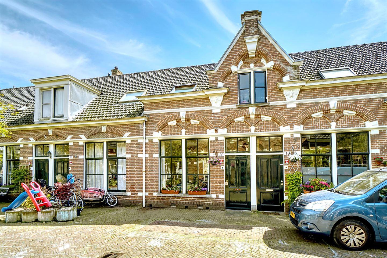 Bekijk foto 1 van Piet Heinstraat 14