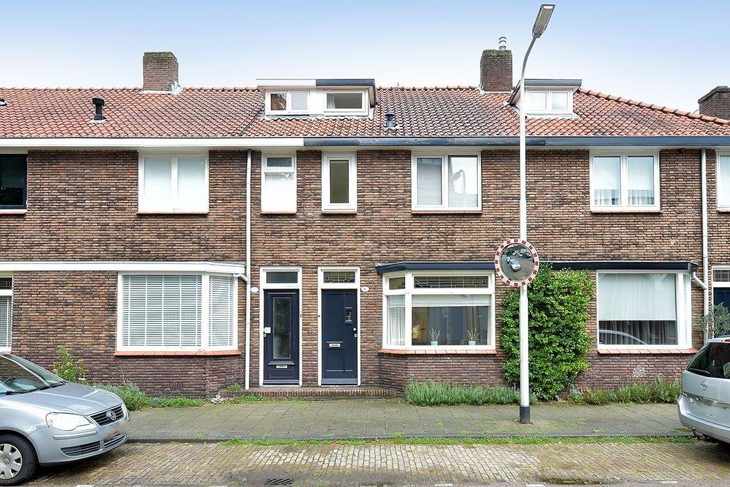 Bekijk foto 1 van Antonie van Diemenstraat 16