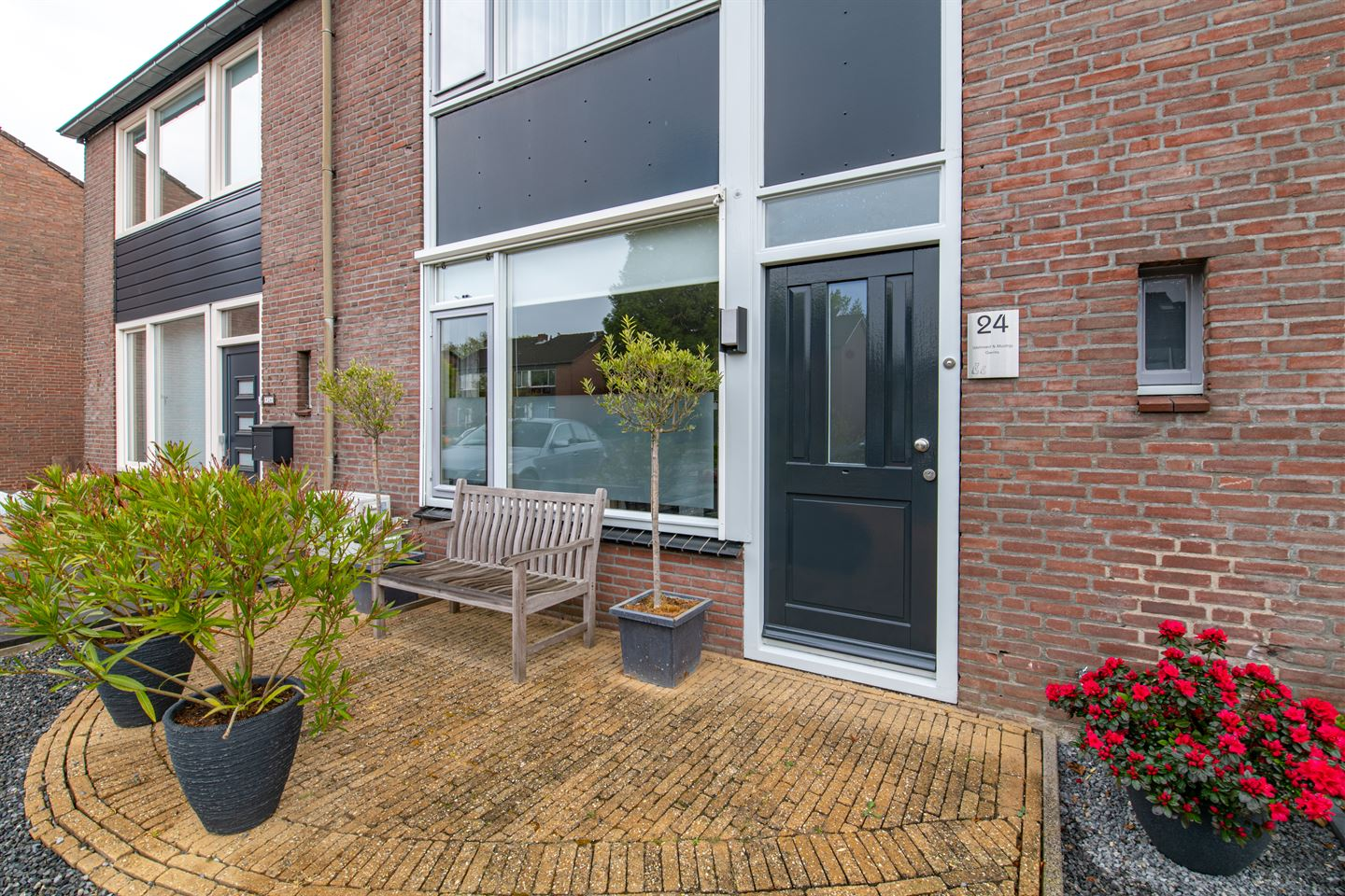 View photo 2 of Sportveldstraat 24