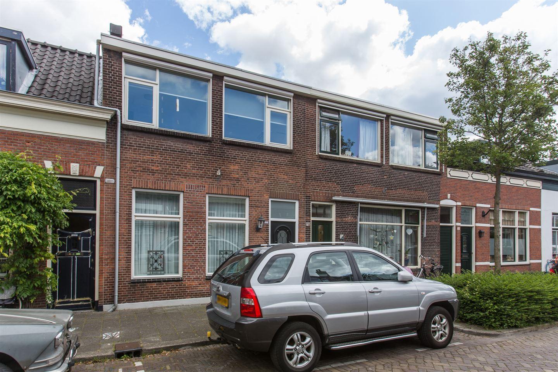 View photo 1 of Wilhelminastraat 33