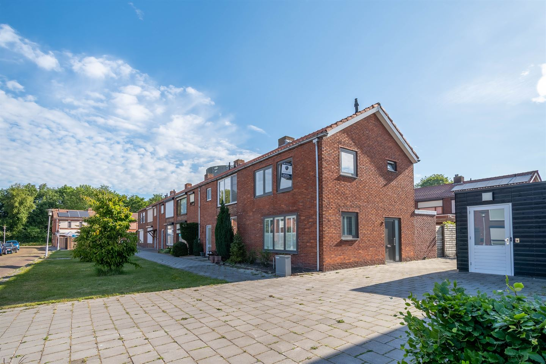 View photo 1 of Nassaustraat 2