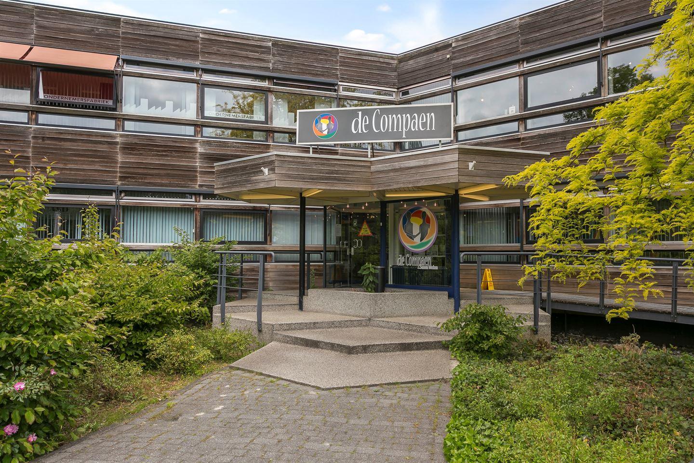 Bekijk foto 2 van De Vos van Steenwijklaan 75