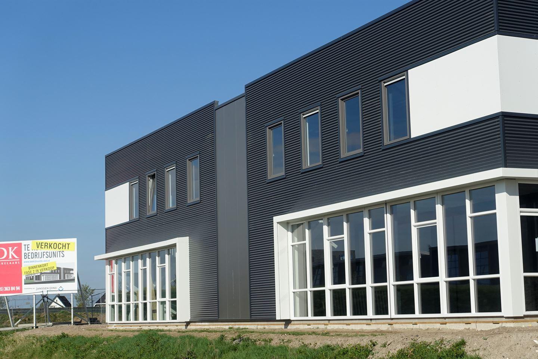 Bekijk foto 3 van Industrieweg