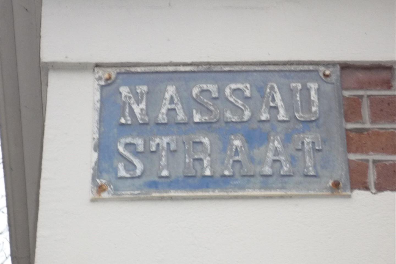 Bekijk foto 3 van Nassaustraat 25 rood
