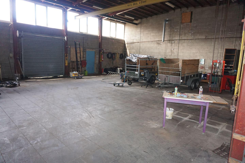 Bekijk foto 3 van Industrieweg 2