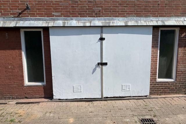 Bekijk foto 2 van Zuiddijk 46 Box 3