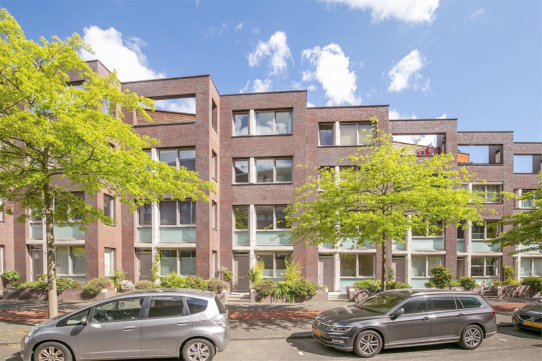 Bekijk foto 1 van Piet Mondriaanlaan 63