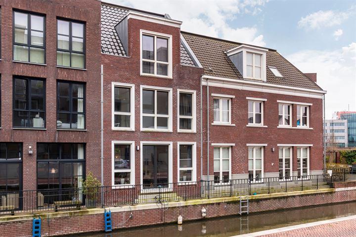 Dr. R. van Lutterveltstraat 6