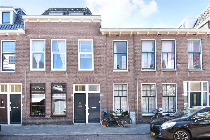 Burgemeester van der Werffstraat 104 .
