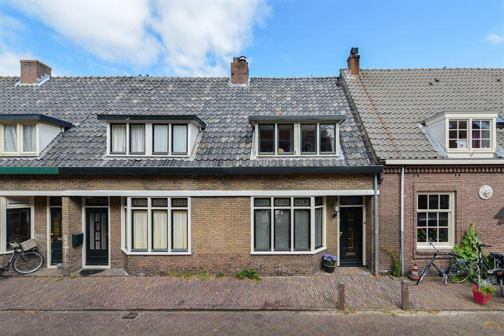 Huizerpoortstraat 23