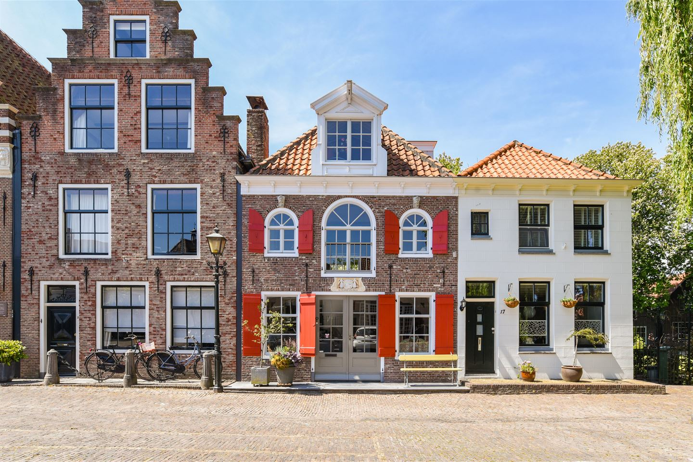 Bekijk foto 1 van Jan Nieuwenhuizenplein 13 -15