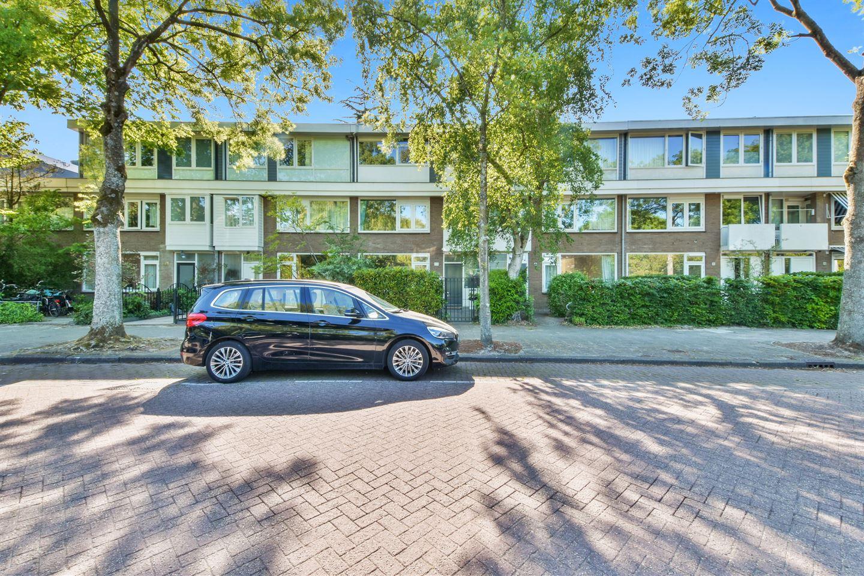 Bekijk foto 2 van Van der Boechorststraat 114