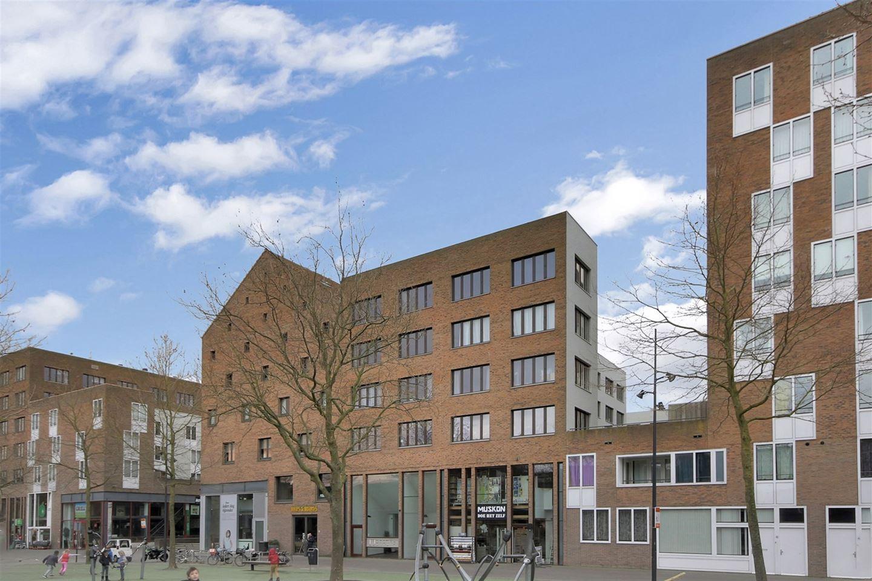Bekijk foto 3 van Joris Ivensplein 44