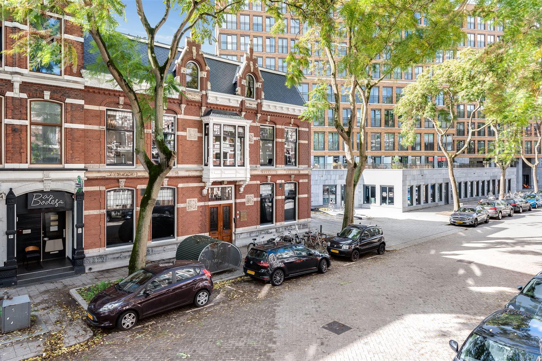 Bekijk foto 2 van Van Vollenhovenstraat 7