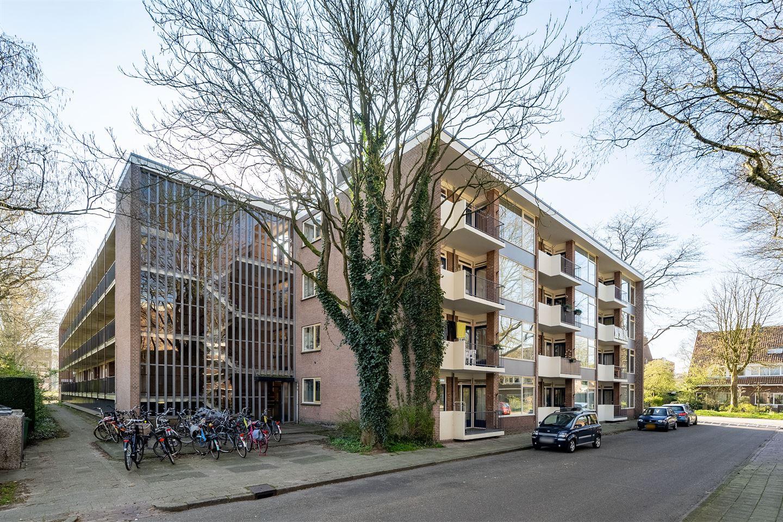 Bekijk foto 2 van Van der Waalsstraat 8 II