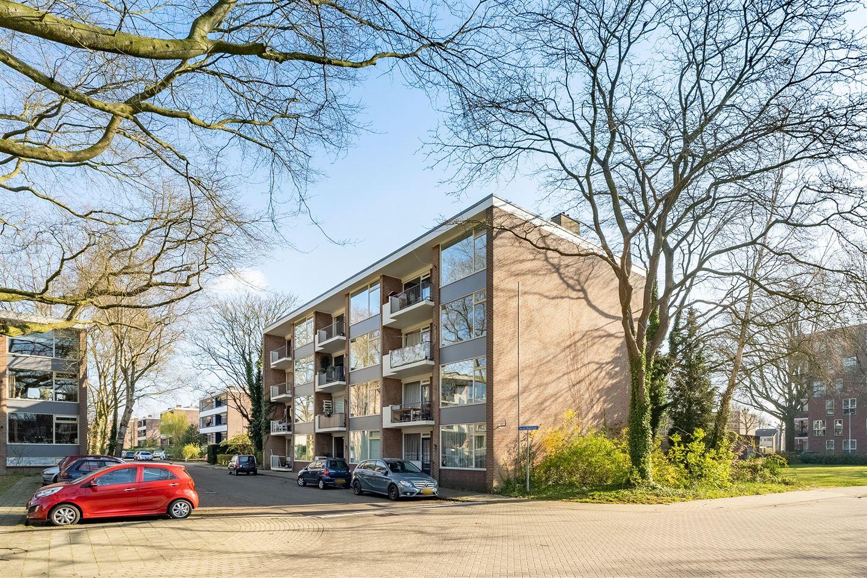 Bekijk foto 3 van Van der Waalsstraat 8 II