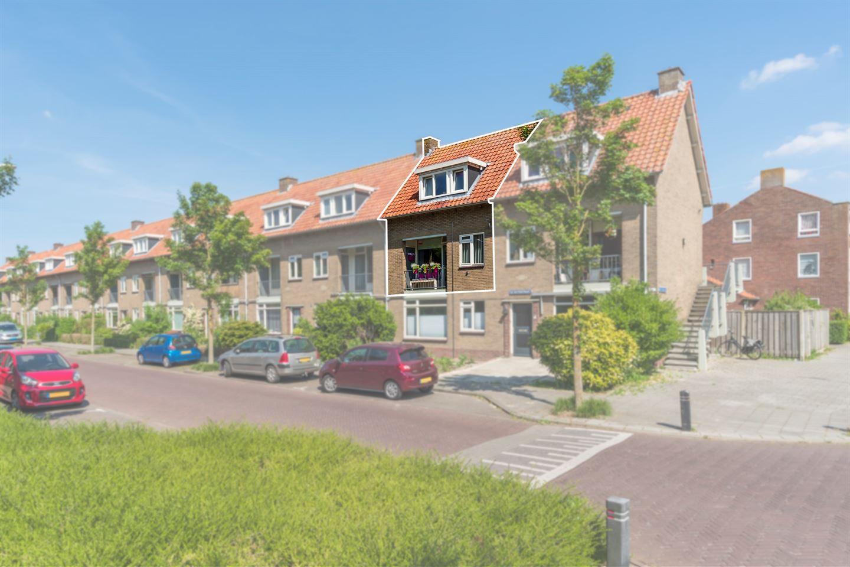 Bekijk foto 1 van De Ruyterstraat 101