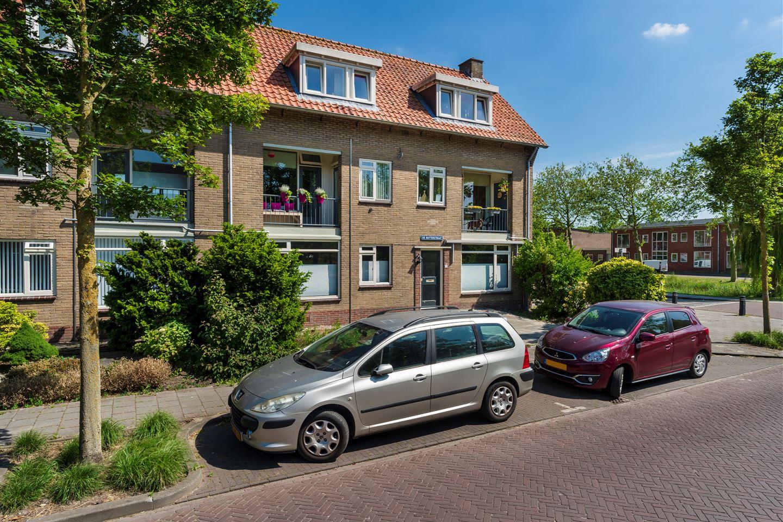 Bekijk foto 2 van De Ruyterstraat 101
