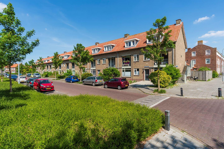 Bekijk foto 3 van De Ruyterstraat 101