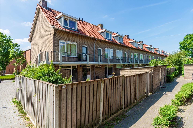 Bekijk foto 4 van De Ruyterstraat 101