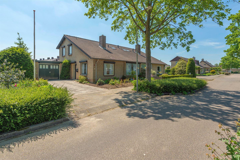 Bekijk foto 1 van Van Hogendorpstraat 9