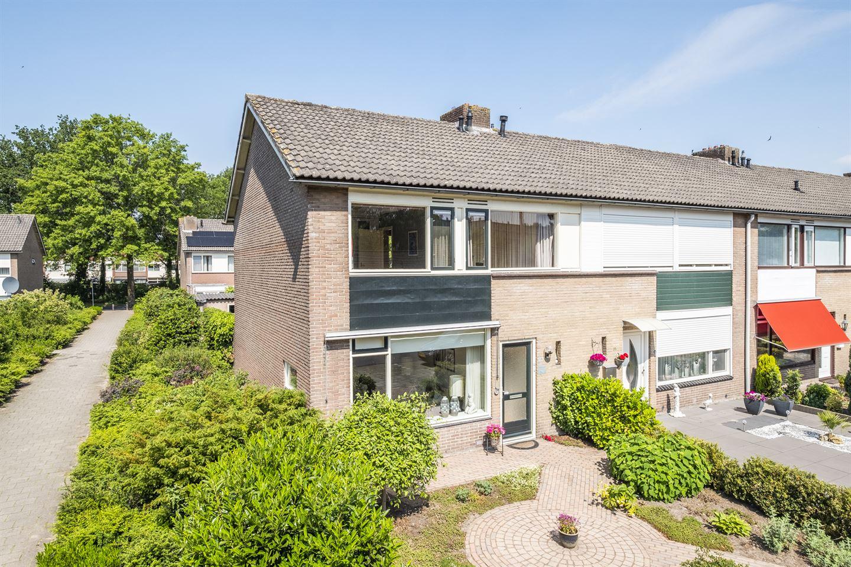 Bekijk foto 1 van Bernard van Meursstraat 33